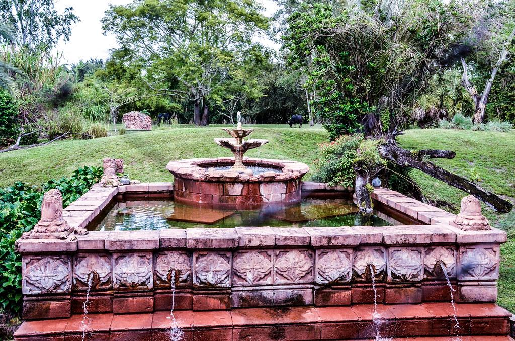 Fountain Maharjah Jungle Trek AK