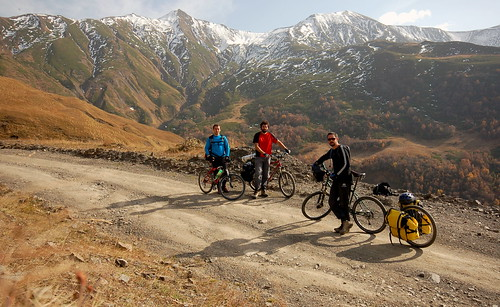 We three riders | by tomsbiketrip.com