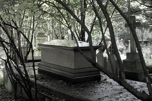 Highgate Cemetery - 14