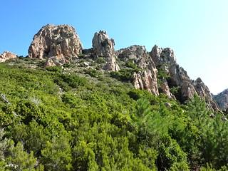 Remontée du sentier Niffru/Radichella en 2009 :  l'aiguille 726 m depuis le col 685m