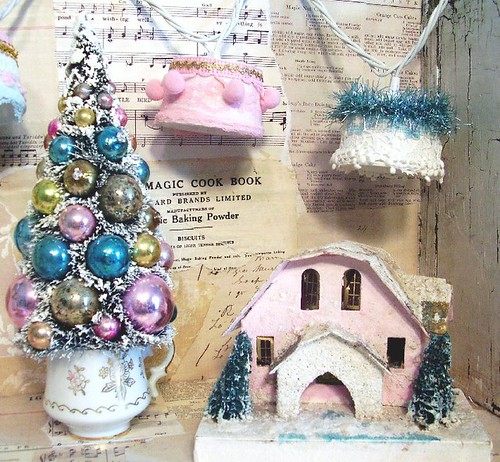 Look for my tutorial in the January 2010 issue of Romantic Homes magazine page 16!