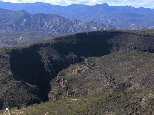 Cerros cerca de San Rafael de las Tablas; Zacatecas, Mexico