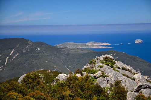 Views from Mt. Oberon summit, Wilson Promontory, Victoria, Australia | by tonyfernandezz