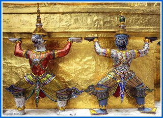Yakshas at Wat Phra Kaeo | by ZeePack