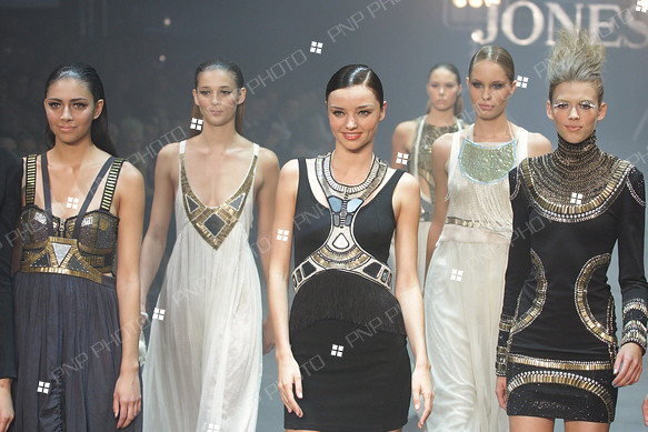 Miranda Kerr 2010 Fashion Show