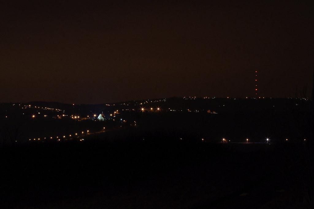Dziekanowice nocą / Dziekanowice by night