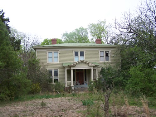 old house abandoned rural south northcarolina historic bertiecounty