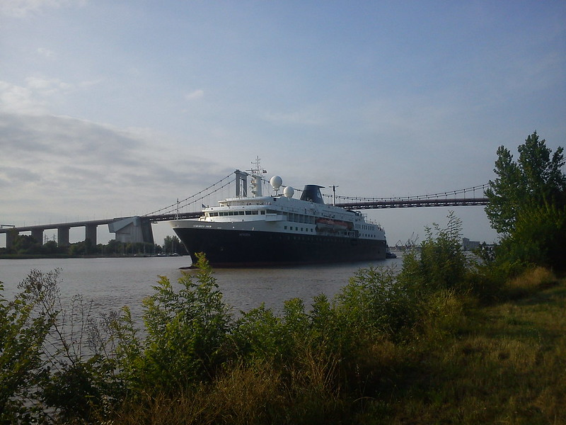 Minerva cruise ship under the Pont d'Aquitaine - Bordeaux -
