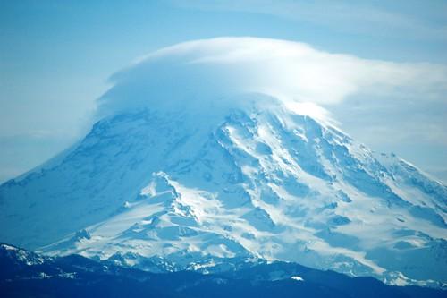 cloud mountain nikond70 rainier washingtonstate naturelovers diamondclassphotographer flickrdiamond
