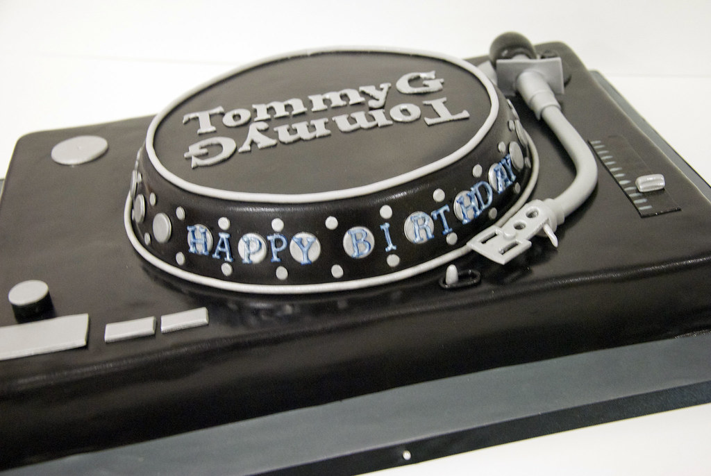 Wondrous Dj Turntable Cake Toronto A Dj Turntable Birthday Cake Cr Flickr Birthday Cards Printable Benkemecafe Filternl