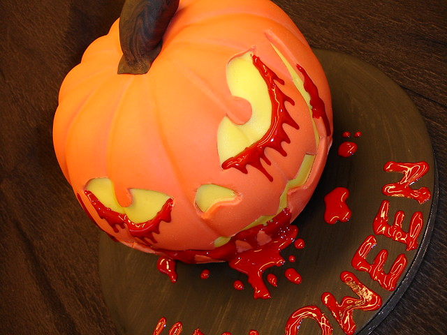 Halloween pumkin cake