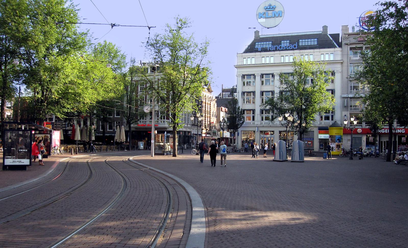 Amsterdam 711