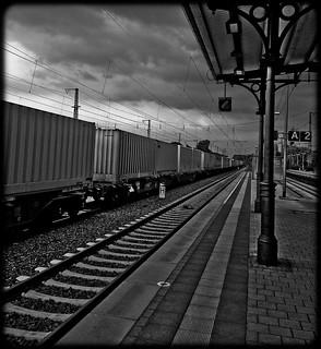 """Long Train Runnin"" - Nokia N8"