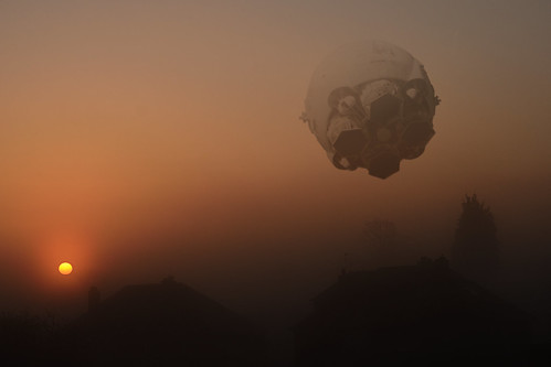 ariesb lander spaceoddessey 2001 dawn sunrise orange fog mist spacecraft scifi nikond7000 werehere hereios