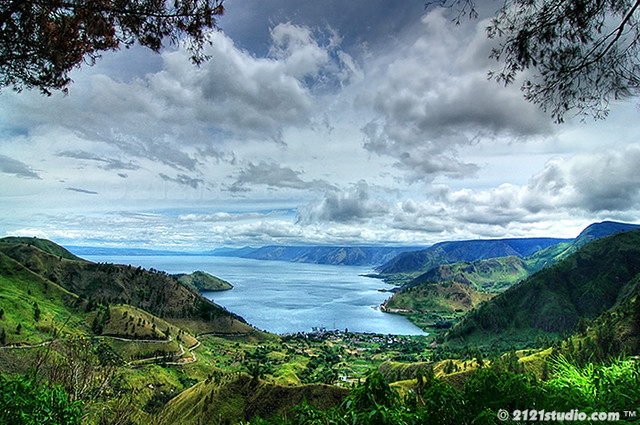 Teaser 1 Danau Toba view  from Sipiso piso HDR Shot