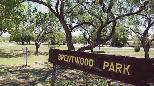 woman golf video marcia discgolf disc sanangelo