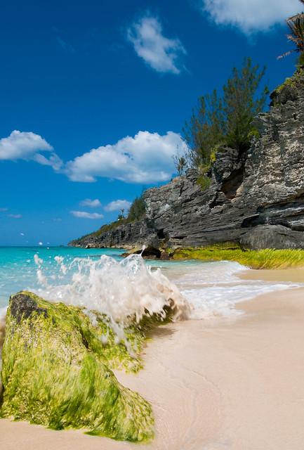 Wave break at Bermuda