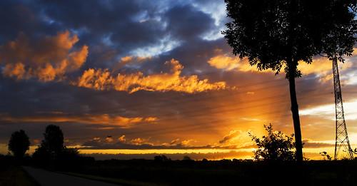 sunrise sigma18125 lastlight 75views canon400d anawesomeshot skyascanvas jk6065 jeroenknippenberg