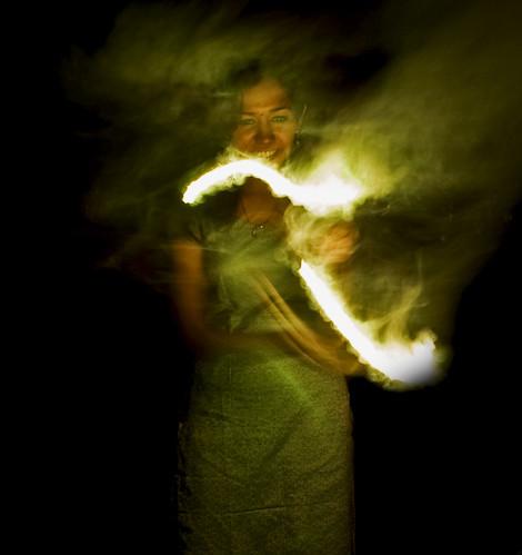 fireworks bangalore diwali crackers festivaloflights bhabhi holysmoke fadein diwalinight nikond80 sahakaranagar fadingintosmoke