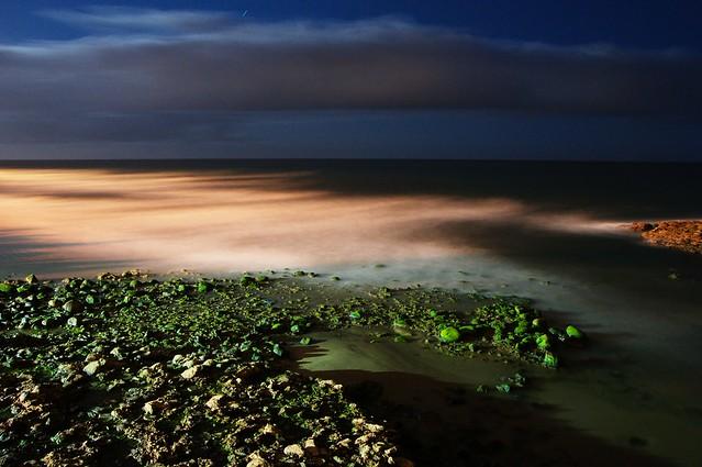 Night seascape (long exposure)