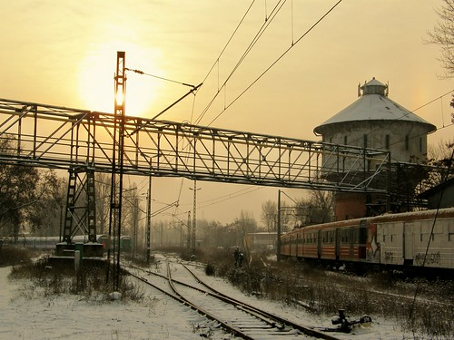 railroad winter sky sun snow electric set train sunrise tren dawn poland polska rail railway olympus commuter emu pr passenger trem treno wroclaw ezt wrocław pkp поезд lowersilesia dolnośląskie dolnyśląsk en57 wrocławgłówny sp550uz locomotiveshops przewozyregionalne maintenancefacility