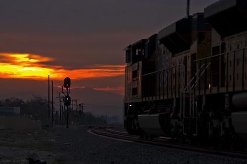 california ontario sunrise canon socal unionpacific canondslr locomotives railroads canon70200f4l emd alltrains sd70ace sbcusa kenszok