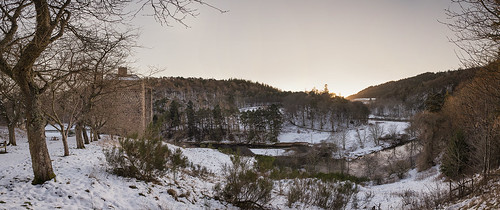 neidpathcastle neidpath castle scotland scottishborders peebles peeblesshire tweeddale river rivertweed water trees forest winter snow frost panorama tweed valley gorge dusk sunset viewpoint