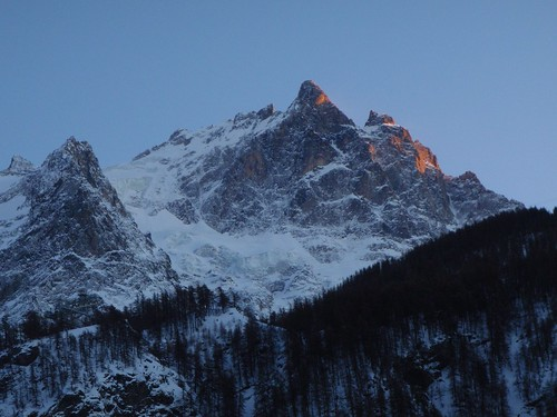 木, 2008-12-18 16:55 - In Les Ecrins.  Viewed from La Grave village, France.
