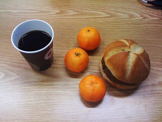 Kaffee, Mandarinen & Frikadelle | by JaBB