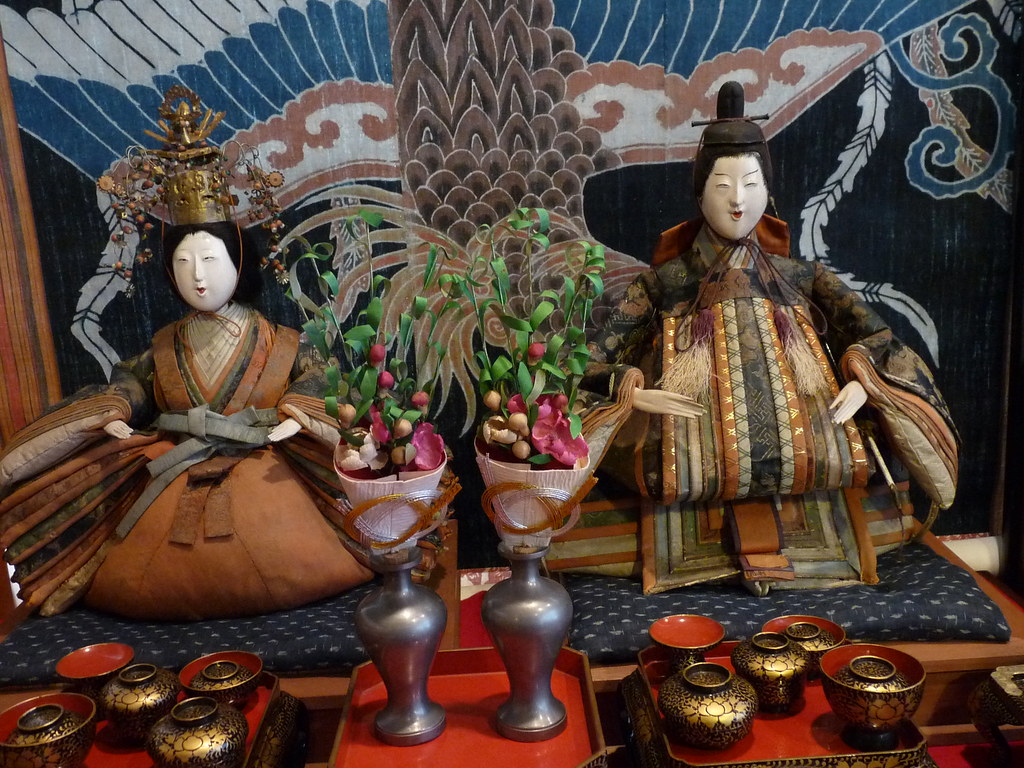where to buy traditional japanese dolls
