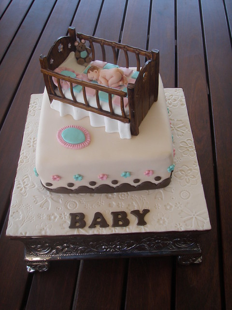 Mossy's Masterpiece - Baby Crib baby shower cake
