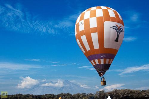 blue red sky mountain canon indonesia fly flying hotair baloon westjava gunung sentul canonef24105mmf4lisusm pancar mariaismawi ihaba
