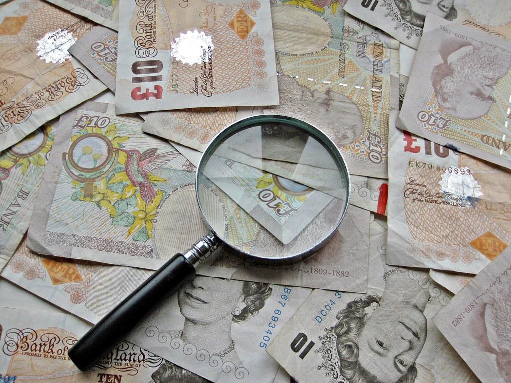£10 pound notes