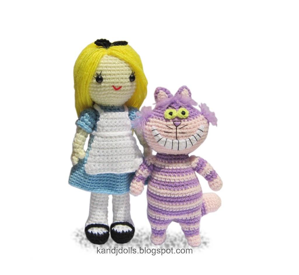 Free Alice in Wonderland Amigurumi Pattern (Crochet) - Daisy and Storm | 940x1024