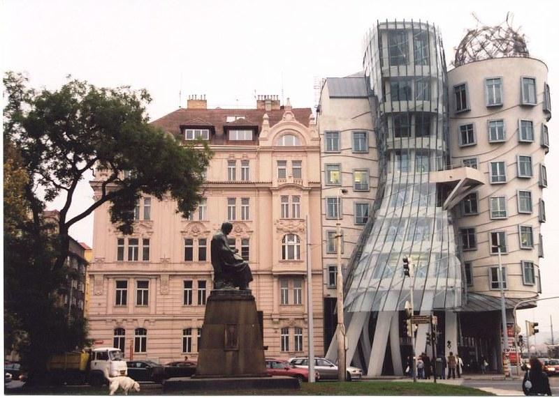 La Perle de Prague, Resto français