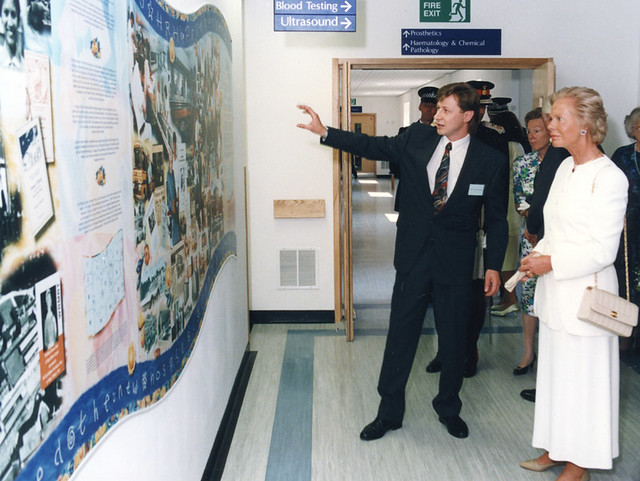 07 Tony Explains The Mural Chapel Allerton Hospital
