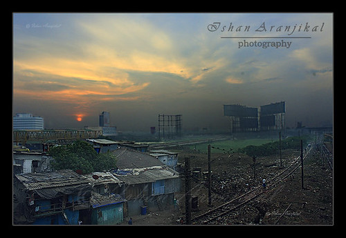 orange india lines sunrise canon tracks railway kittens bombay billboards maharashtra mumbai landscpae ghetto slum shanties slums dwan dharavi bandrakurlacomplex jhopadpatti 1000d canon100d ishanaranjikal raiwlaytracks