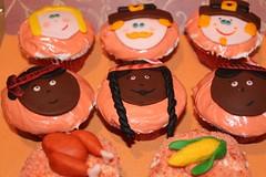 thanksgiving cupcake pilgrim indian   by MiraUncutBlog