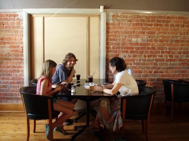 24/12/2009 (Day 3.358) - Lunch In Fluxx