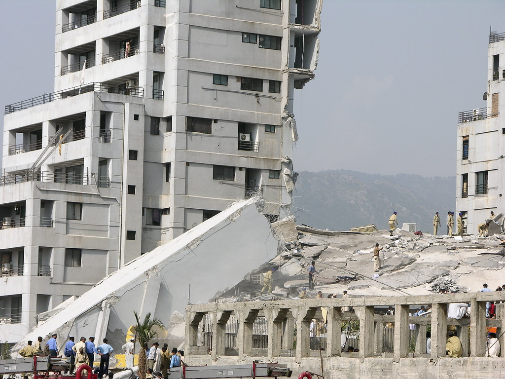 Earthquake in Islamabad | Today 8 October 2005, at 8:50 a m