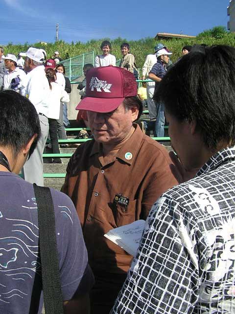 市長 石垣 石垣市長が宮古島のキャバクラで会食 選挙の応援で