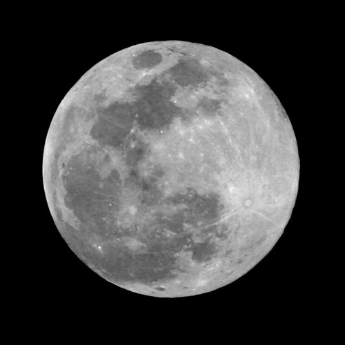 sky bw moon night lune lenstagged space satellite full craters crater astronomy universe espace solarsystem astronomie univers cratère canon75300f456 cratères systèmesolaire