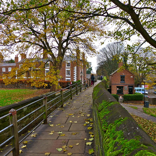 city uk england cheshire unitedkingdom medieval tourists chester citywalls historical touristattraction
