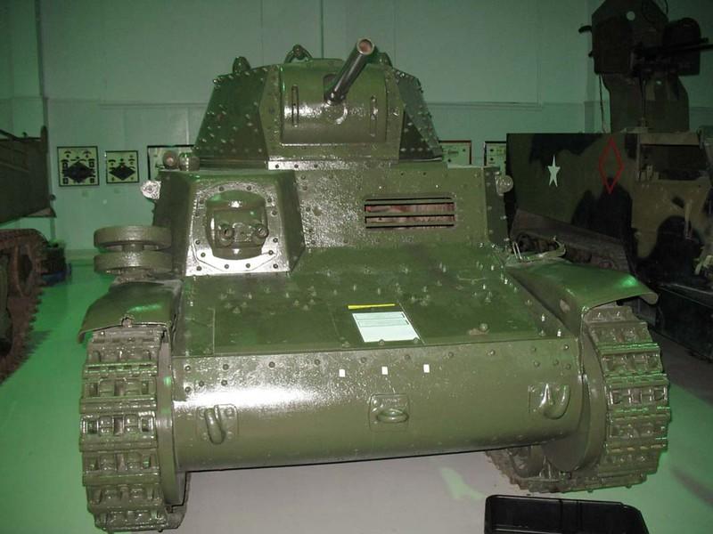 Fiat M13-40 (1)