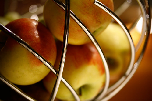 jailed apples