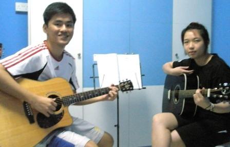 Guitar lessons Singapore Donna