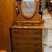 Oak stained dresser cw mirror E120