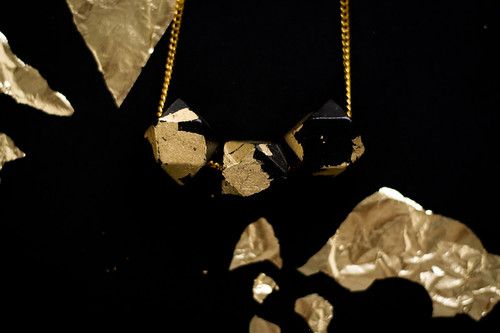 DIY - Gold and black faceted necklace | by Morning by Foley