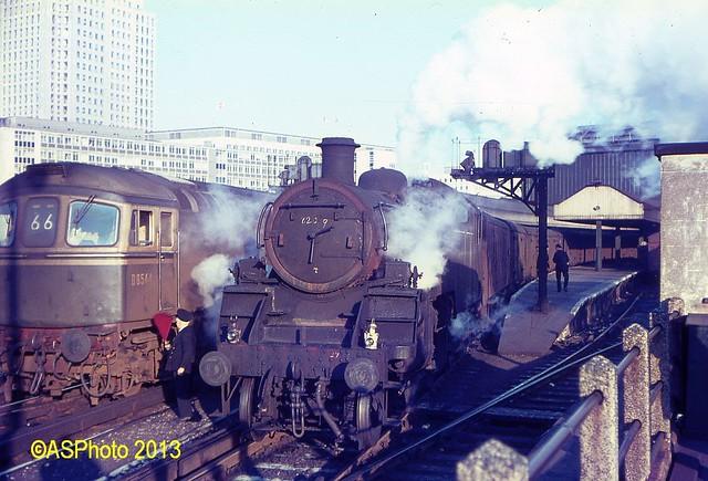 82019 & D6544 at Waterloo
