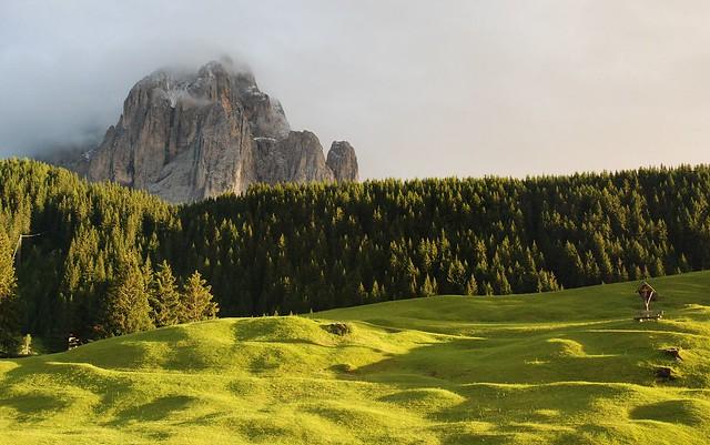 Dolomity - Sasso Lungo ve večerním světle